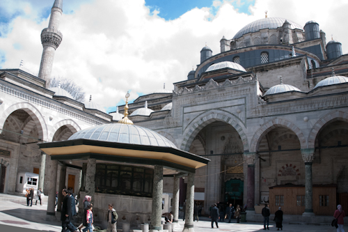 2011-04-23 87 Istanbul - Moschea Bayezıt