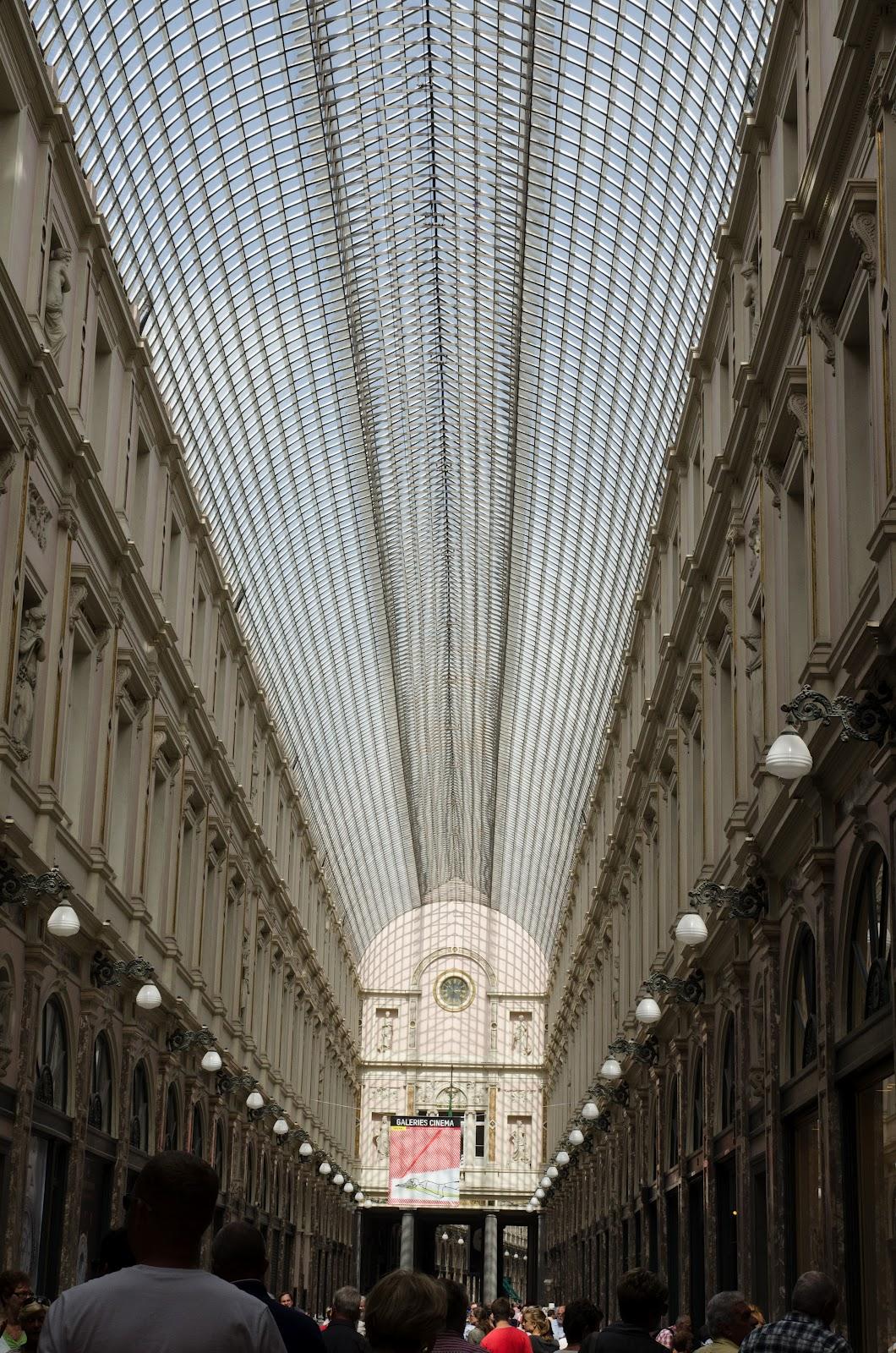 Galeriile comerciale St-Hubert