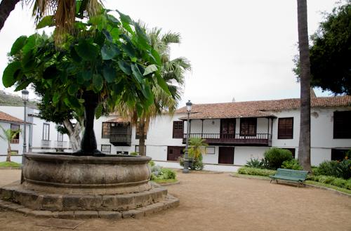2013-09-13 141 Tenerife-Icod de los Vinos-Plaza de la Pila