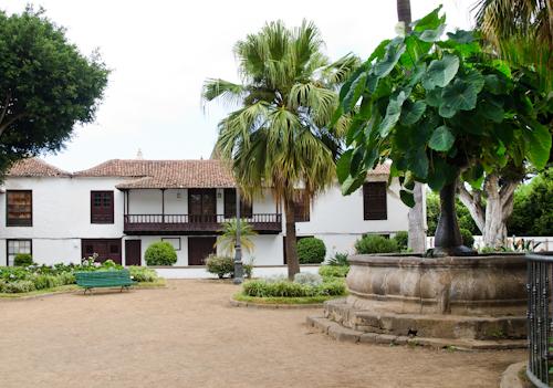 2013-09-13 142 Tenerife-Icod de los Vinos-Plaza de la Pila