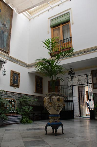 2015-10-09 86 Ronda - Casa Don Bosco - în patio